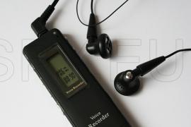 Multifunctional digital audio recorder 2GB