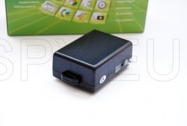 GPS tracker with magnetic mount