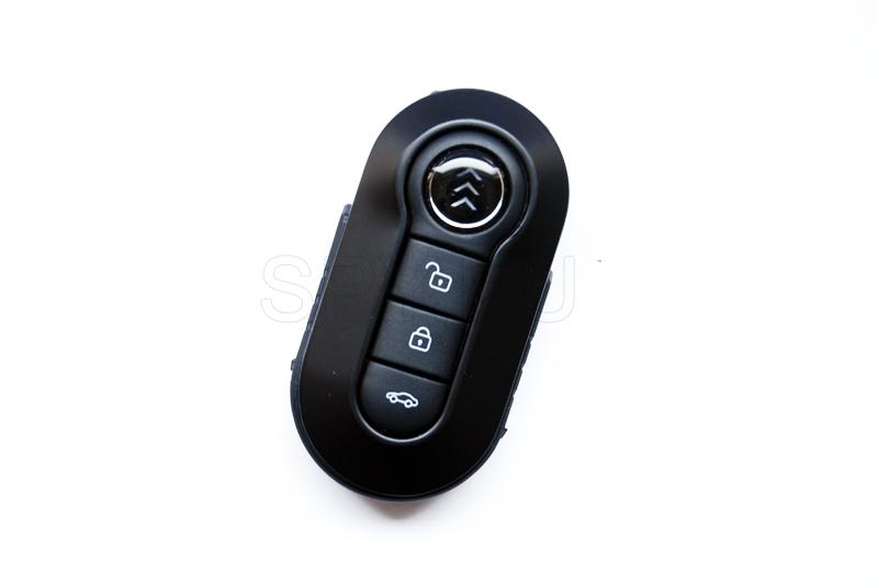 Keyring with motion detector