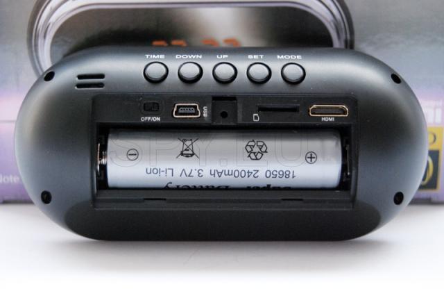 Full HD camera in a desktop clock