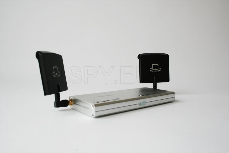 BC04 - 2.4GHz Wireless Transceiver Signal relay station