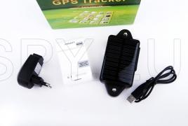 GPS tracker with solar panel