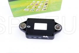 GPS tracker with solar panel