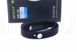 Audio recorder in a bracelet for measuring the pulse
