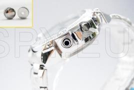 Camera with motion detector (with chain)