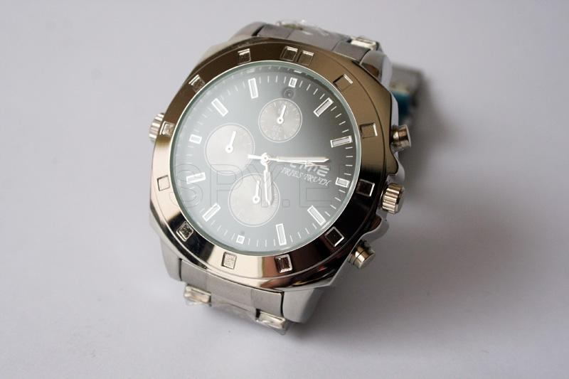 Hidden camera in an sleek wrist watch 4GB