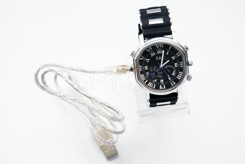 Camera in watch with rubber strap