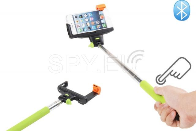 Bluetooth tripod for selfie