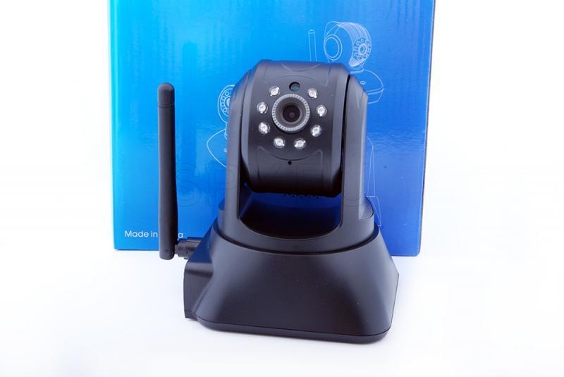 IP camera with card slot
