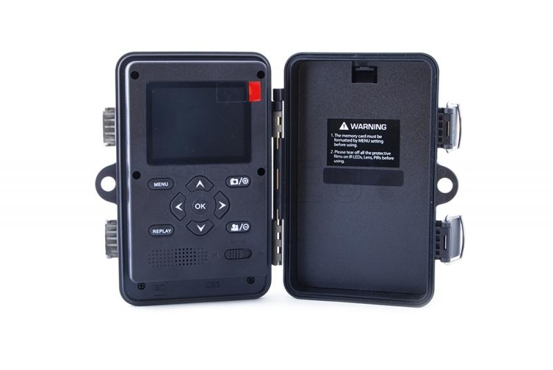 Compact hunting camera